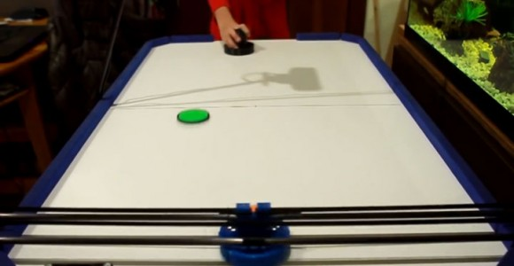 A Passionate Of Air Hockey Turns 3D printer Into A Ruthless Robotic Opponent-2