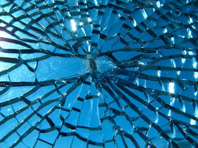 Inspired by Sea Shells, Canadian Researchers Make 200 Times Stronger Glass-1