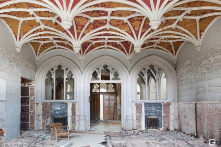 Guillaume Ducreux-Discover The Magnificent Beauty Of An Abandoned Palace-12