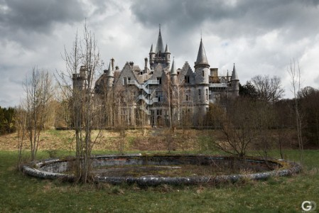 Guillaume Ducreux-Discover The Magnificent Beauty Of An Abandoned Palace-20