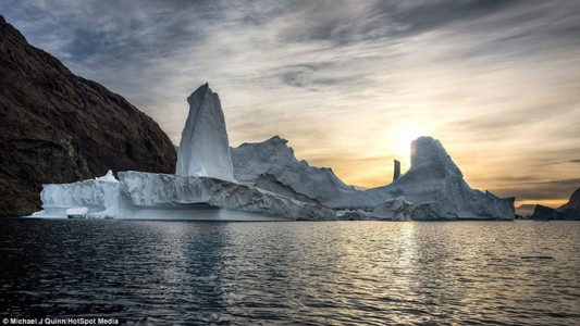 Greenland : Discover The Impressive Icebergs Sculpted By Nature With Beauty-7