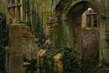 Abandoned churches around the world-16