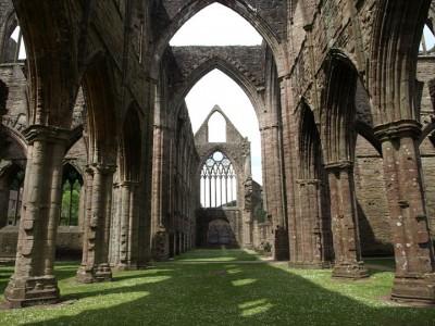 Abandoned churches around the world-19