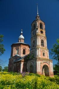 Abandoned churches around the world-22