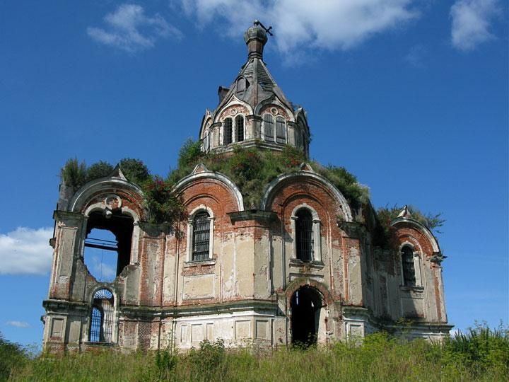Abandoned churches around the world-4
