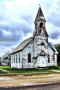 Abandoned churches around the world-9