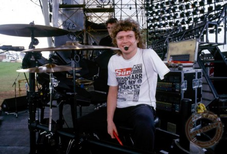 Bionic Drummer Arm: A story that could be related with Def Leppard-1