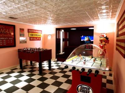 Geek Culture: Top 20 Examples Of Geek Living Rooms -13