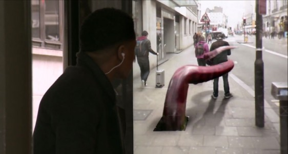 Incredible Bus Stop Shelters Uses Augmented Reality To Stun The Passengers (Video)-5