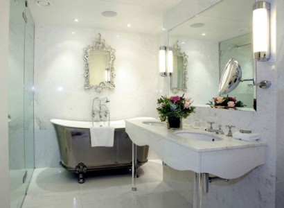 14 Majestic Bathrooms From Around The World -