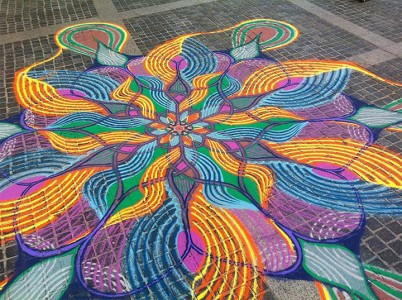 A Street Artist Makes A Series Of Mesmerizing Drawings Using Colored Sand-1
