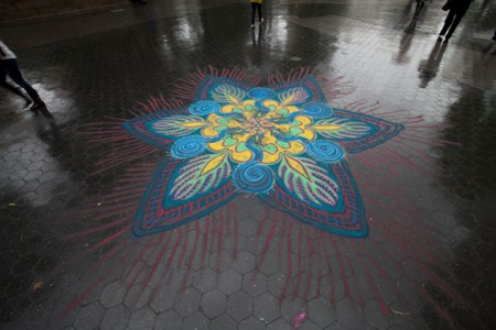 A Street Artist Makes A Series Of Mesmerizing Drawings Using Colored Sand-12