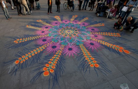 A Street Artist Makes A Series Of Mesmerizing Drawings Using Colored Sand-13
