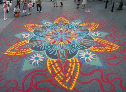 A Street Artist Makes A Series Of Mesmerizing Drawings Using Colored Sand-15