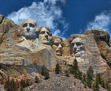 The real surroundings Of Famous Tourist Destination Monumentsstcard-17
