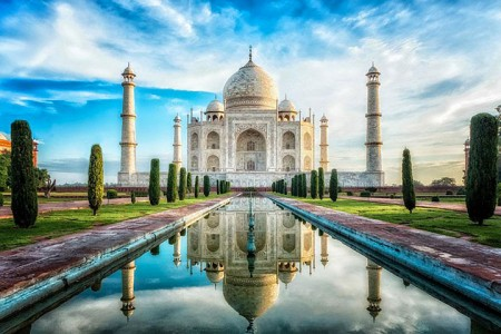The real surroundings Of Famous Tourist Destination Monumentsstcard-2