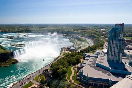 The real surroundings Of Famous Tourist Destination Monumentsstcard-9