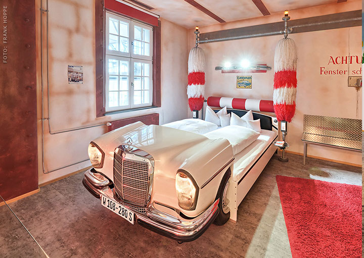V8 Hotel-A Hotel Dedicated To Automobiles Lets You Sleep In The Most Comfortable Cars (Photo Gallery)-19