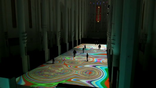 Enjoy Magical Walk On The Floor Of Sacre-Coeur Casablanca Illuminated By Thousands Of Colors-8