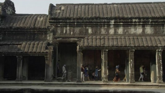 Google Street View Takes You To The Gigantic Temples of Cambodia-1