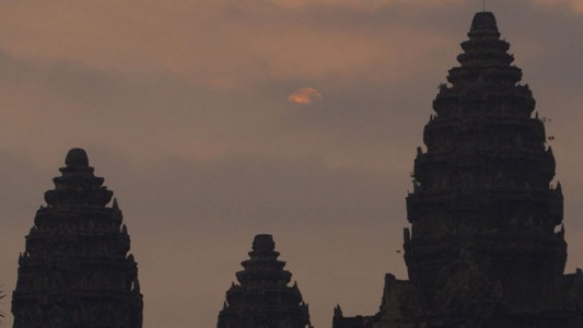 Google Street View Takes You To The Gigantic Temples of Cambodia-10