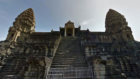 Google Street View Takes You To The Gigantic Temples of Cambodia-17