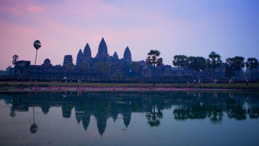 Google Street View Takes You To The Gigantic Temples of Cambodia-7