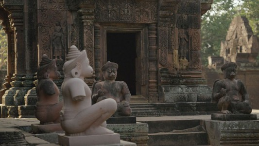 Google Street View Takes You To The Gigantic Temples of Cambodia-8