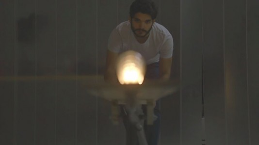 Light Kinetics: See The Light Move From One Bulb To Another Like A Tennis Ball-1