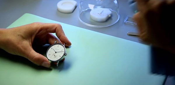 Discover The Extraordinary Precision And Accuracy Of Mechanical Watchmakers-7