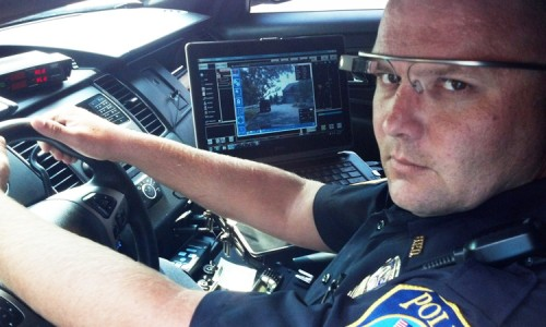 Dubai police is now equipped with Google Glass to traffic violators-3