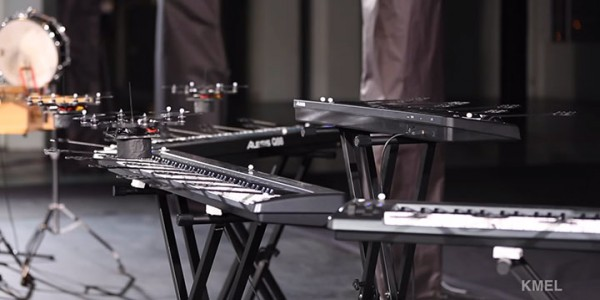 Flying Drones Play Extraordinary Orchestra Classics To The Perfection-7
