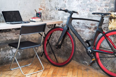 Valour: World's First Connected Bike To Warn You Of Dangers Of Road-3