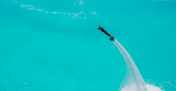 Hoverboard Lets You Surf Many Meters Above And Below Water -3