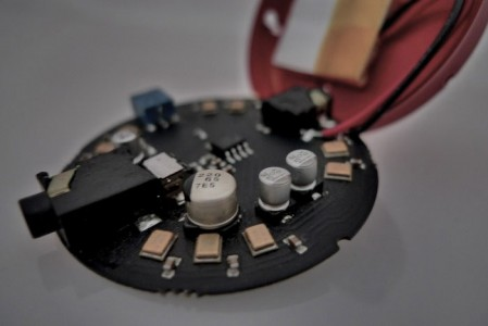 Wear: A Voice Recording Hearing Aid That Can Be Worn Like Necklace-2