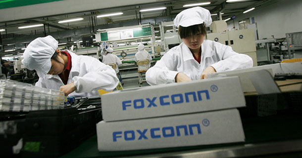Foxconn Will Use 10,000 robots To Assemble iPhone 6-1