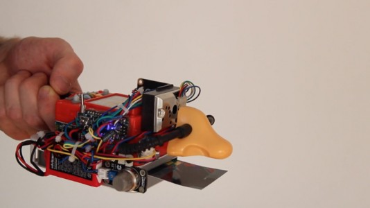 Digioxide: An Apparatus That Transforms Air Pollution Analysis Into A Digital Artwork-4
