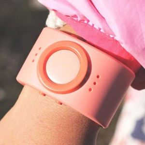 Tinitell: This Connected Bracelet Lets You Always Stay In Touch with your child -