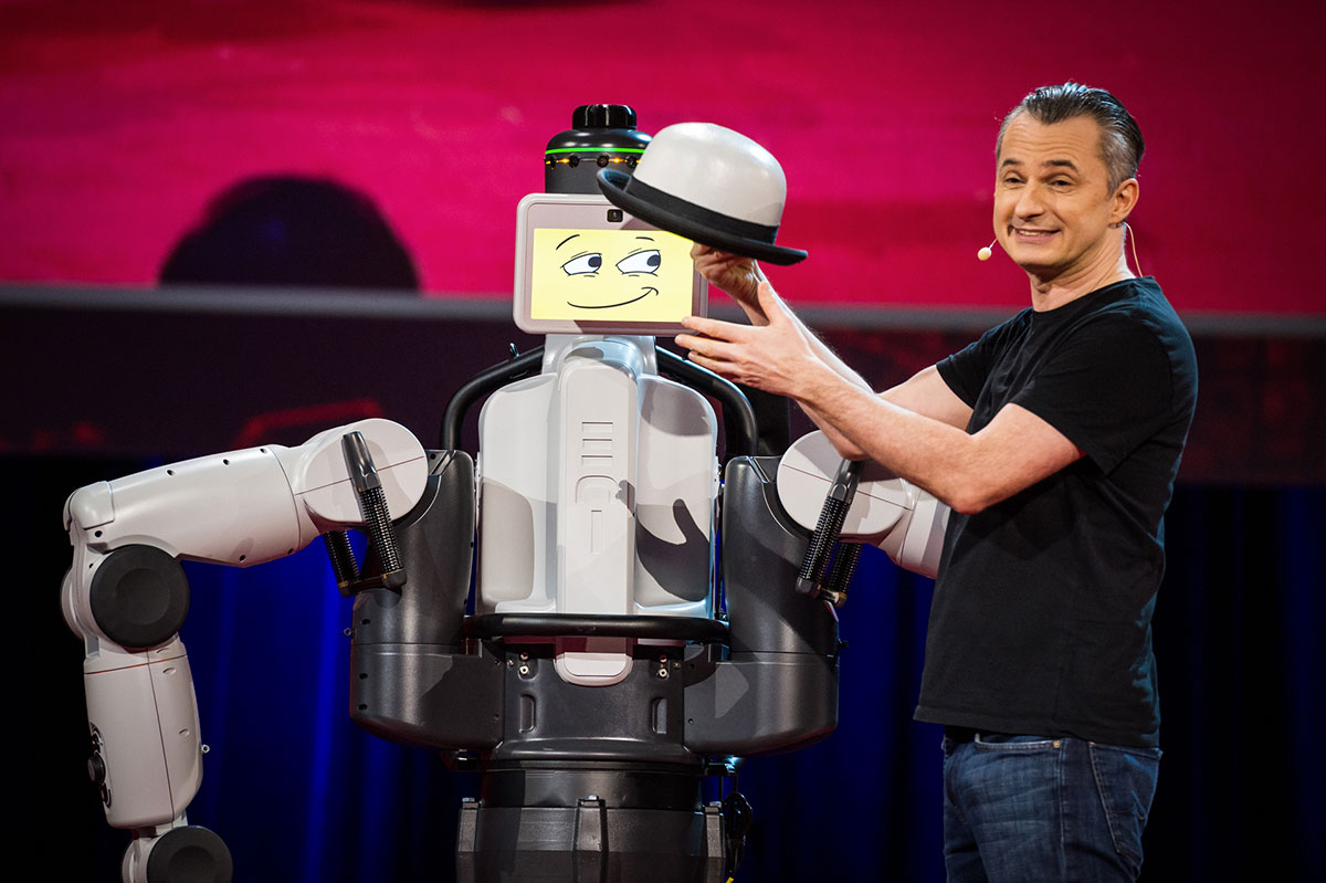 Amazing Stage Performance Of Illusionist Marco With EDI Robot-2
