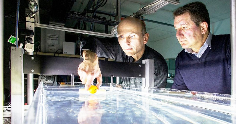 Groundbreaking-Scientists Manipulate Water Waves To Move Objects On A Desired Path-1