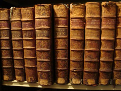 Discover The Secret Of The Mysterious Smells Of Old Books-