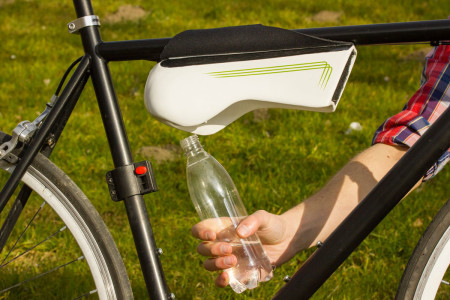Fontus: This Amazing Bottle Turns Humidity To Water During Bicycling-3