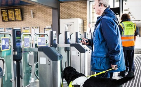Revolutionary Headset By Microsoft Will Replace White Cane For Blind-1