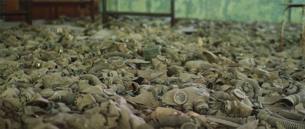 Scary Drone Video Captures Ruins of Ghost Town Of Chernobyl-10