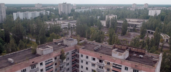 Scary Drone Video Captures Ruins of Ghost Town Of Chernobyl-7