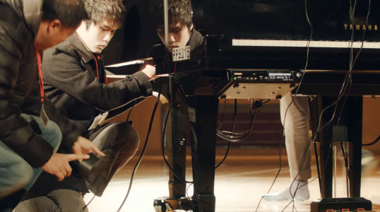 Amazing Virtual Reality Technology Helps Disabled Play Piano-5