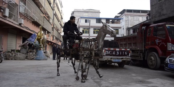 A Chinese Man Makes A Mechanical Horse To Walk In The Street-5