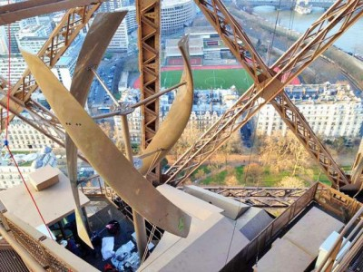Two Hidden Wind Turbines Will Power First Floor Of Eiffel Tower-2