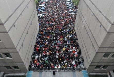 20 Mind Blowing Photos From Dreaded Chinese University Entrance Exam-2