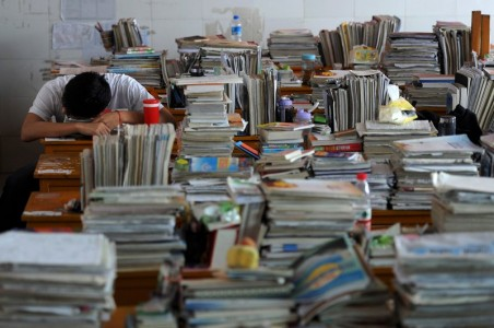 20 Mind Blowing Photos From Dreaded Chinese University Entrance Exam-7